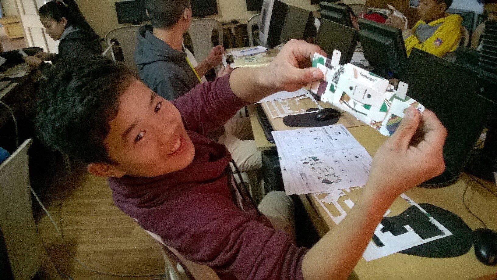 Happy foldscoper