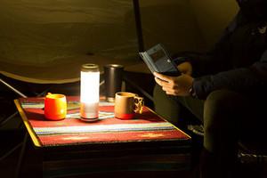 照明、充電、聽音樂一把罩的露營好夥伴:PLAYFUL BASE