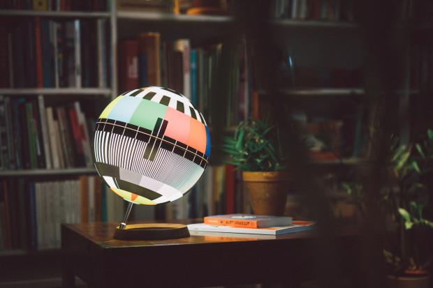 Mono lamp 1