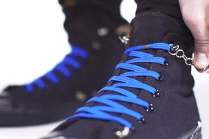 單手固定鞋帶沒問題!QuickShoeLace讓鞋帶不再成為絆腳石