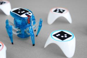 機械智慧玩具Bots_Alive!建迷宮看著它跑來跑去超療癒