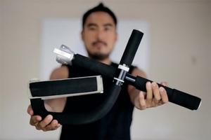 接下來就是你跟肥肉的正面對決了!FLEXR 帶得走的健身房