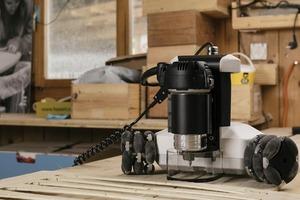 只有 10 公斤的 Goliath CNC 機台,更小更輕更聰明,讓自造範圍不再受限!