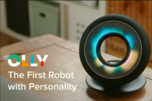 首位有「個性」的機器人!能辨識情感的 Olly 向你 360 度轉動