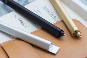 【台灣設計】無法放下的 HMM 滑動筆,止不住的思緒滑順湧出
