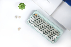 喜歡懷舊老物的靈魂,不用捨棄數位時代的便利 —— LOFREE 打字機鍵盤,美到不像實力派