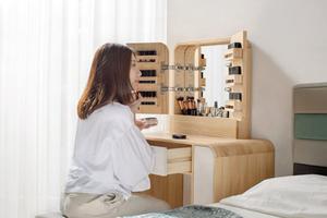 上百件彩妝全能收納!台灣匠師手工打造「圓滑處事」化妝桌