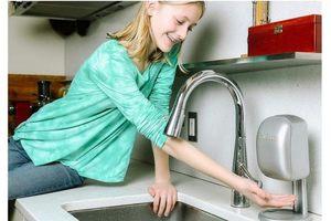 塑膠瓶罐、濕爛肥皂,掰啦!Eco Soapr 自動削皂機