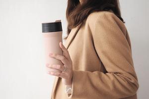「輕巧、好洗」世界首創全琺瑯包覆專利的環保杯——奇享杯