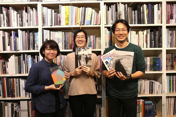 【人物專訪】高中生到 88 歲老攝影家都贊助,Lightbox 攝影圖書室何以深植人心?