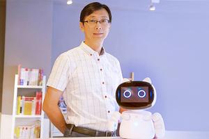 專訪女媧創造執行長郭柳宗:工程師爸爸對女兒的愧疚,催生教育機器人 Kebbi Air